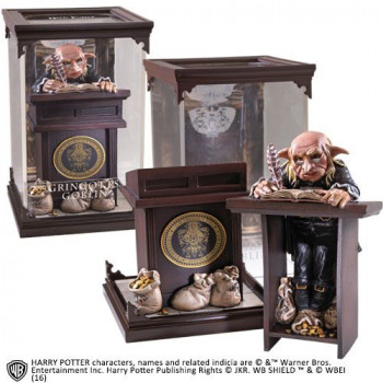 Harry Potter - Magical Creatures Statue Gringotts Goblin 19 cm