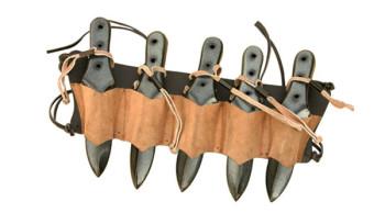 Halter für 5 Wurfmesser braun