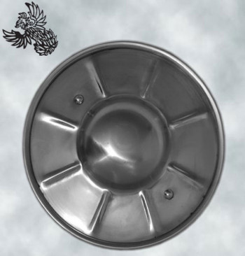 Getriebener Buckler mit genietetem Stahlgriff, 23 cm Durchmesser