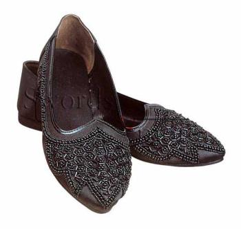 Perlenbesetzte Renaissance Schuhe, Größe 10