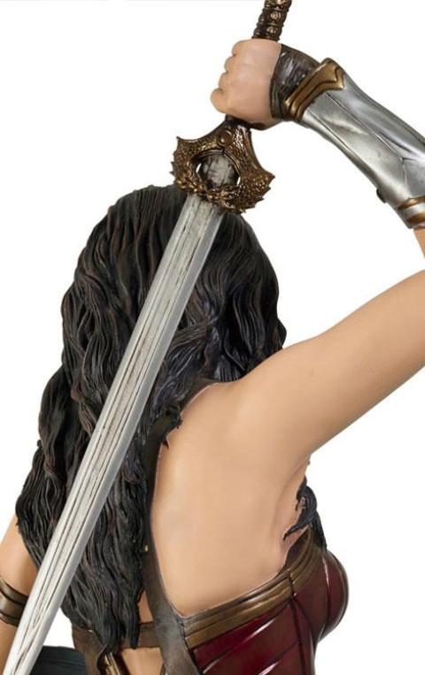 Wonder Woman Life-Size Statue Wonder Woman 224 cm