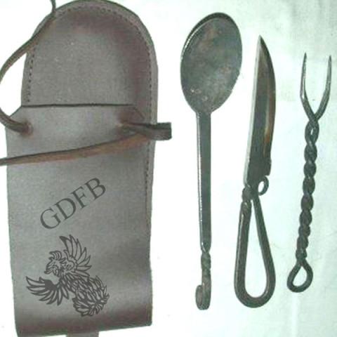 Mittelalterliches Besteckset mit Lederetui