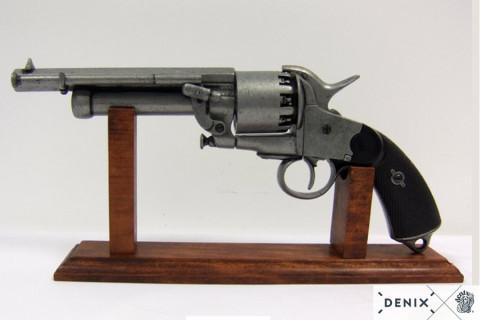Holzdisplay für Revolver