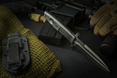Defender 2 DG, schwarz
